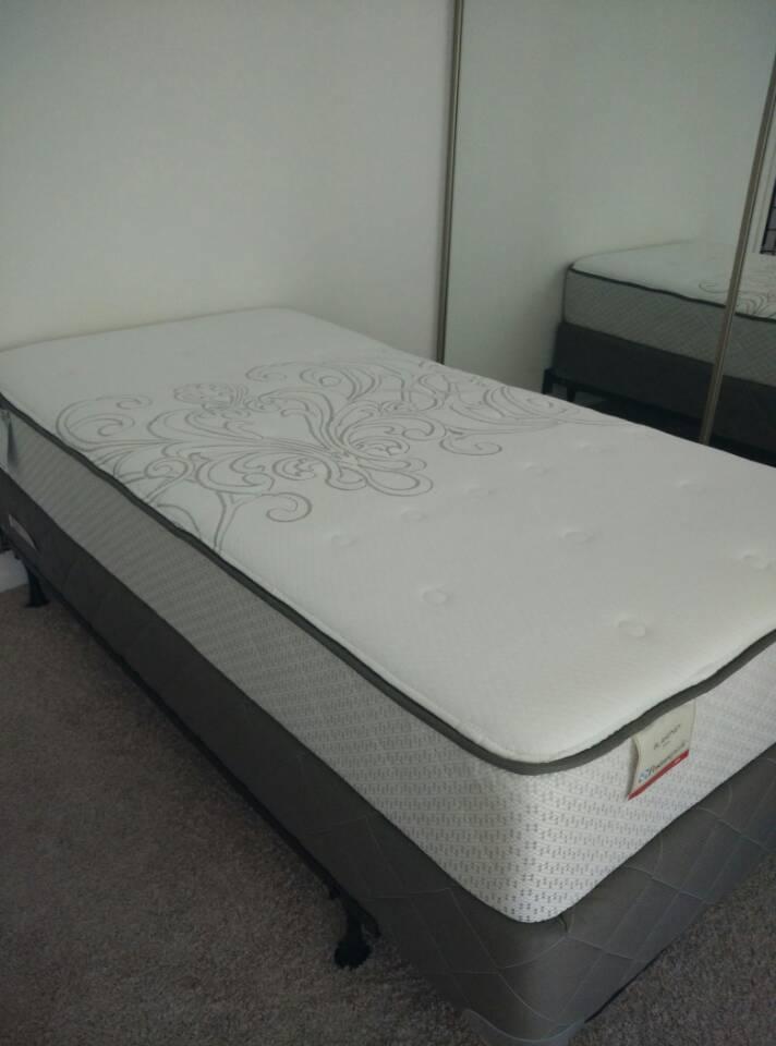卖twin size床垫