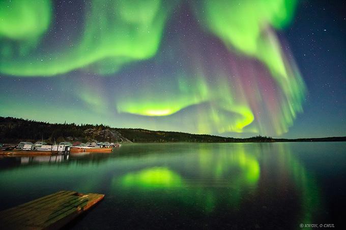 冬季专享 大自然的礼物,北极光。