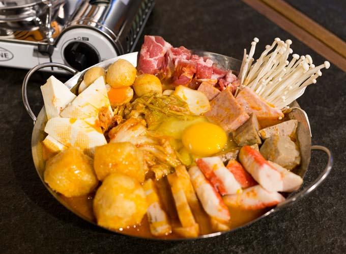 日出茶太-渔汤米线:麻辣臭臭锅,火锅新体验