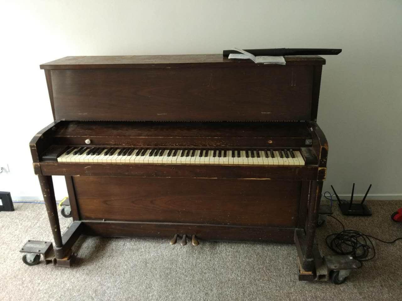旧Hamilton钢琴转让——350美元