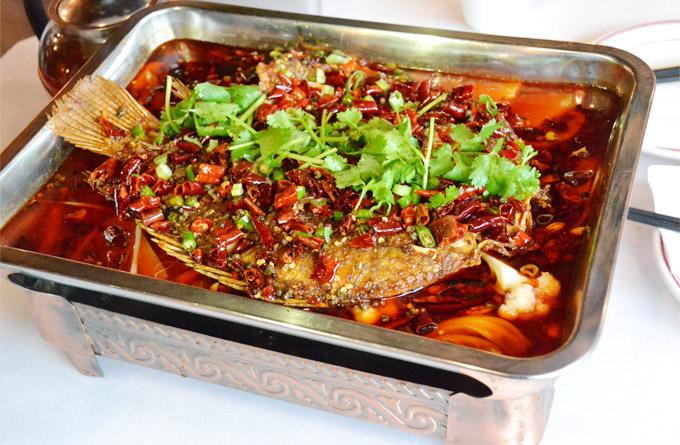 【每周一菜】万州烤鱼:烧烤界的火锅,火锅界的烧烤