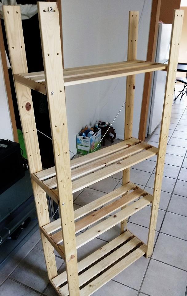 IKEA实木储物架 10美元