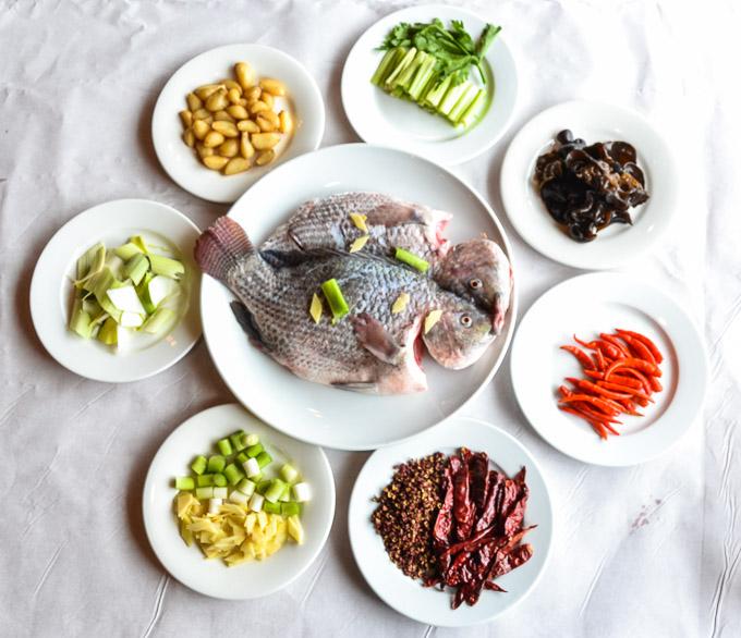 把烤鱼吃成火锅,鱼羊相伴最为鲜